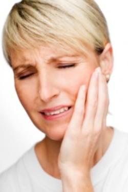 bolovi u licu