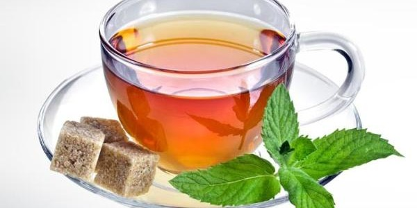 Čaj od bosiljka priprema i upotreba za kašalj, sinuse, belo pranje…