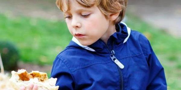 Ovo je jedna od najotrovnijih namirnica na svetu koja izaziva rak: Svi je jedu i daju deci