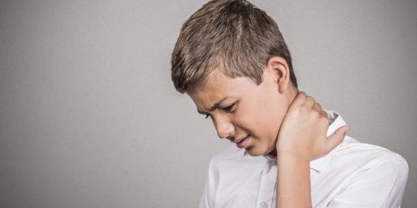 Bol u vratu kod dece uzrok i lečenje