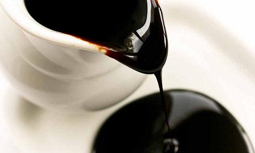 Crna melasa: 10 zadivljujućih lekovitih svojstava zbog kojih treba da bude zamena za šećer