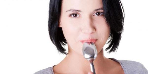 Potrebna vam je samo kašika: Za 60 sekundi kod kuće proverite da li bolujete od OVIH TEŠKIH bolesti