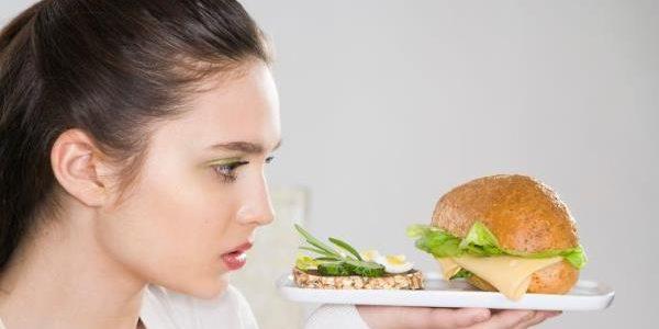 LETO JE SVE BLIŽE: Ova 4 jela su GLAVNI krivci za celulit – što pre ih izbacite iz ishrane!