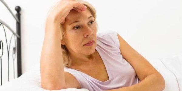 Zašto se javlja noćno znojenje pre i tokom menstruacije ?