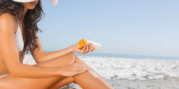 3 razloga zbog kojih ne vredi kupovati kremu za sunčanje sa zaštitnim faktorom većim od 50 – a može biti i OPASNO