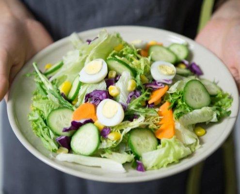 zdrav-obrok-kuvana-jaja-i-povrce